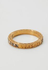 Versace - Ring - nero/oro tribute - 0