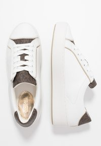 MICHAEL Michael Kors - KIRBY LACE UP - Tenisky - optic white/brown - 3