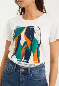 WE Fashion - Print T-shirt - off-white - 4
