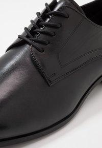 ALDO - PROVEN - Elegantní šněrovací boty - black - 5