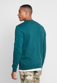 Vans - CREW - Sweatshirts - dark green - 2