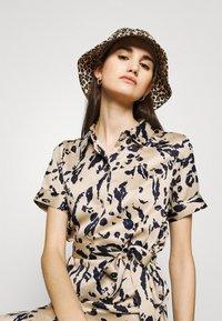 Vero Moda - VMHAILEY DRESS - Shirt dress - hailey - 3