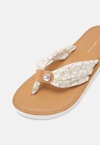Tommy Hilfiger - BEACH  - T-bar sandals - ecru - 7