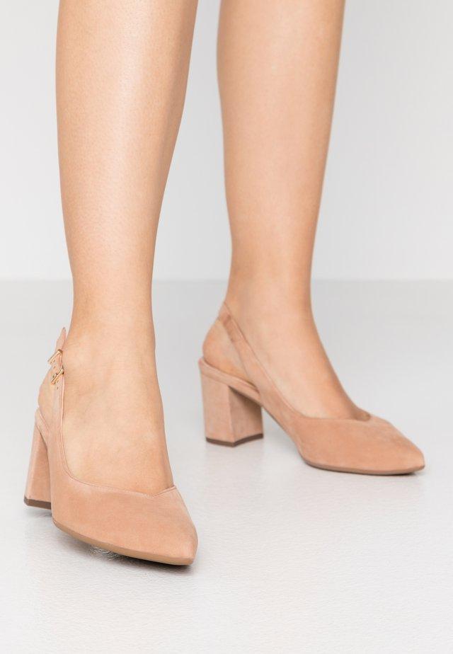 NEXI - Classic heels - biscotti