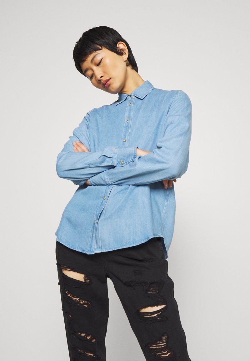 Mos Mosh - MARTINA - Button-down blouse - light blue