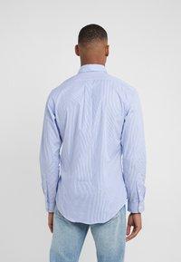Polo Ralph Lauren - NATURAL SLIM FIT - Shirt - blue/white - 2