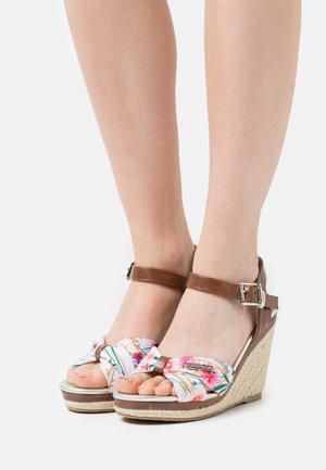SHAILY - Sandály na platformě - blanc/multicolor