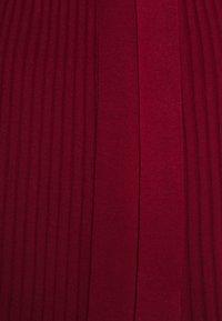 Dorothy Perkins - WRAP DRESS - Strickkleid - burgundy - 2
