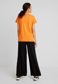 Kaffe - T-shirt imprimé - burnt orange - 2