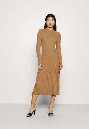 MOCKNECK - Jumper dress - camel