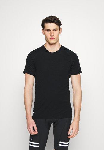TEMPLE TECH  - Jednoduché triko - black