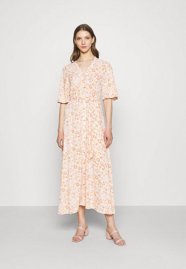 YASWIMA LONG DRESS - Vestito lungo - eggnog
