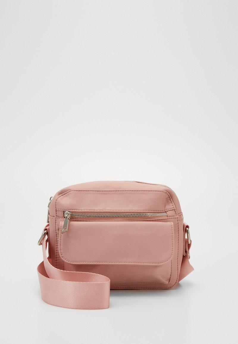 HVISK - HALLI - Olkalaukku - dusty pink