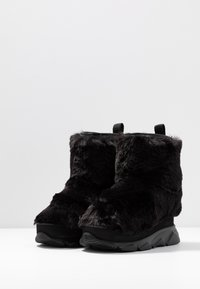 Joshua Sanders - FURRY BOOT DONNA - Wedge Ankle Boots - black - 4