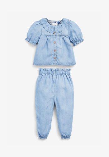 2 PIECE SET - Relaxed fit jeans - light-blue denim