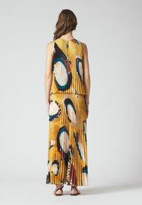 Manila Grace - Maxi dress - senape - 2
