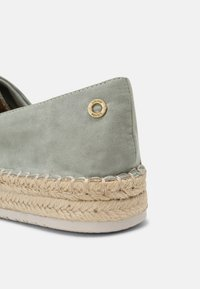 s.Oliver - Loafers - soft green - 5