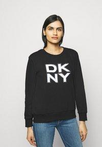 DKNY - STACKED LOGO  - Sweatshirt - black - 0