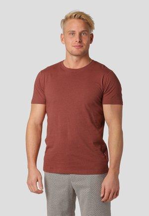 TUSCANY - Basic T-shirt - titian brown