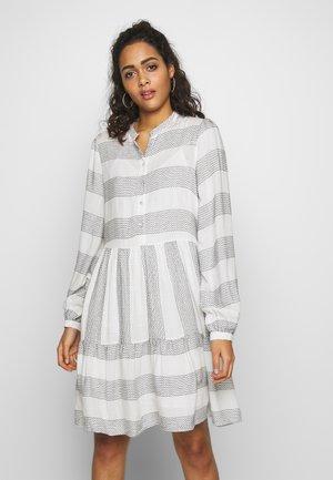 YASLAMALI DRESS - Shirt dress - eggnog/carbon