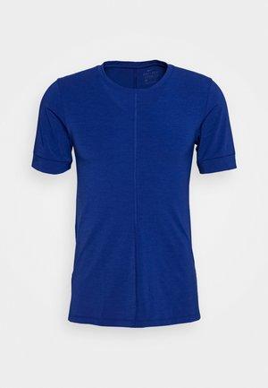 DRY YOGA - T-Shirt basic - deep royal blue/black