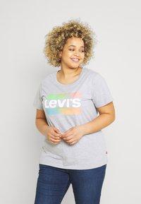 Levi's® Plus - PERFECT TEE - Triko spotiskem - heather grey - 0