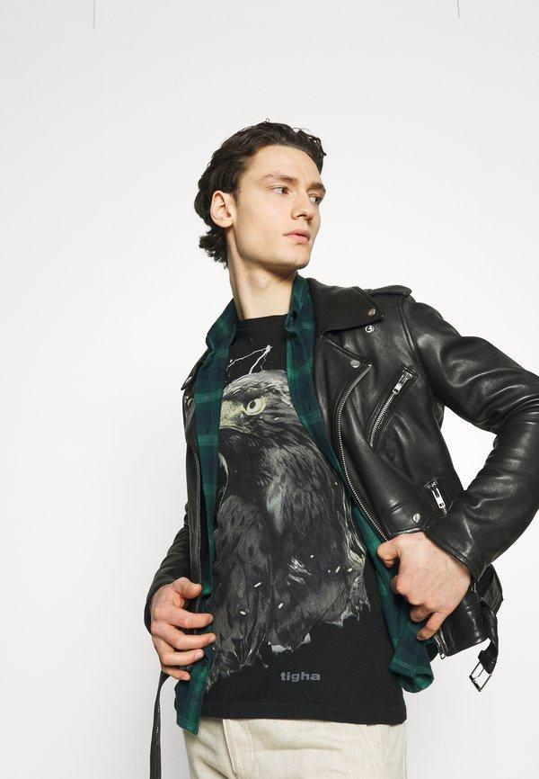 Tigha SKY EAGLE ARNE - T-shirt z nadrukiem - vintage black/czarny Odzież Męska OLPR