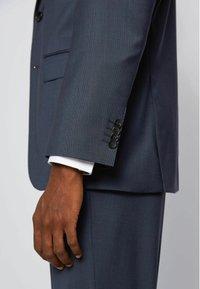 BOSS - JECKSON LENON - Costume - dark blue - 6