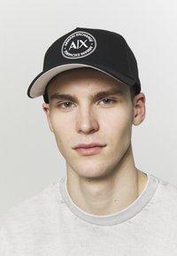 Armani Exchange - BASEBALL HAT - Kšiltovka - black - 1