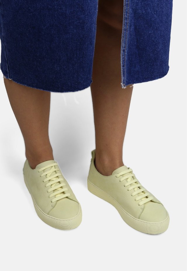 Sneakers laag - light yellow