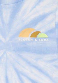 Scotch & Soda - TIE DYE AND ARTWORKS - Print T-shirt - sky blue - 3