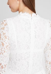Molly Bracken - LONG SLEEVES - Vestido de cóctel - white - 7