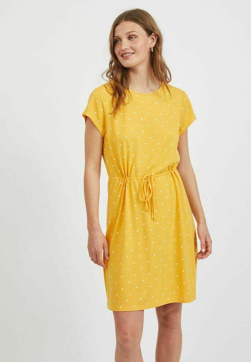 Vila - VIMOONEY STRING - Jersey dress - yolk yellow