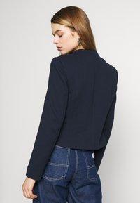 Vero Moda - VMJANEY SHORT - Blazere - navy blazer - 2