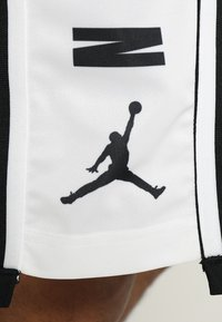 Jordan - BASKETBALL SHORT - Träningsshorts - black/white/black - 5