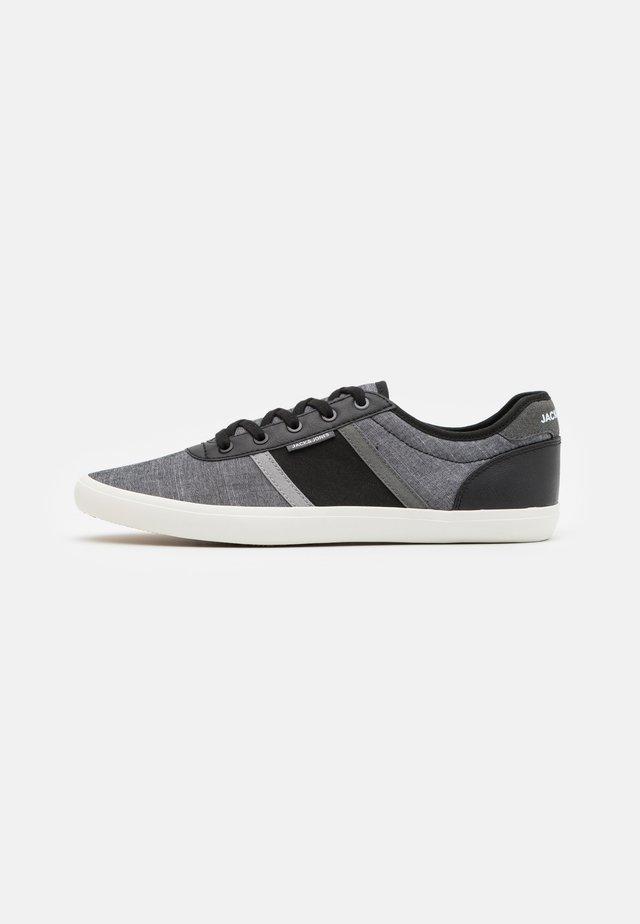 JFWLOGAN - Sneakers laag - anthracite