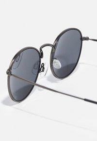 Jack & Jones - JACRYDER SUNGLASSES - Sunglasses - gunmetal - 2