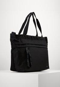 Nike Sportswear - ESSENTIALS - Velká kabelka - black/smoke grey - 0