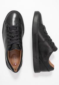 Clarks - UN COSTA LACE - Sneakers basse - black - 1