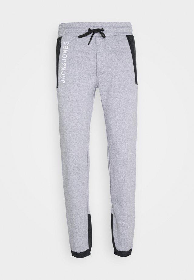 JJIWILL JJARCHER PANTS - Jogginghose - light grey melange
