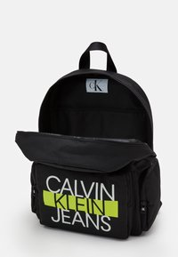 Calvin Klein Jeans - BACK TO SCHOOL BACKPACK SET - Set zainetto - black - 2