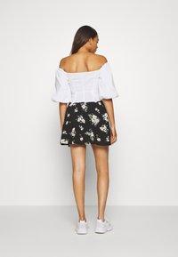 Vero Moda - VMSIMPLY EASY SKATER - A-line skirt - black - 2