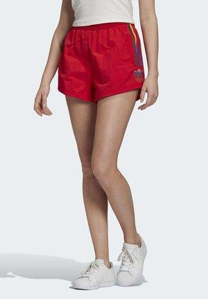 ADICOLOR 3D TREFOIL SHORTS - Shorts - red