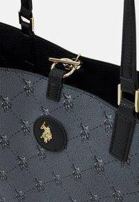 U.S. Polo Assn. - MALIBU POUCH PRINTED - Tote bag - black - 6