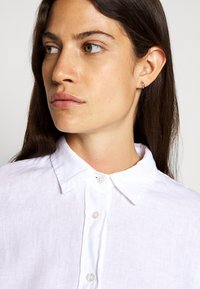J.CREW - PERFECT IN BAIRD - Button-down blouse - white - 7