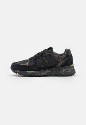 MASE - Trainers - black