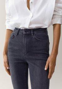 Massimo Dutti - HOHEM BUND - Jeans Skinny Fit - grey - 3