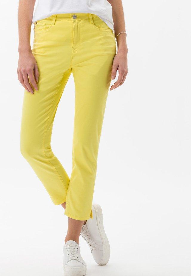 STYLE MARY S - Pantaloni - yellow