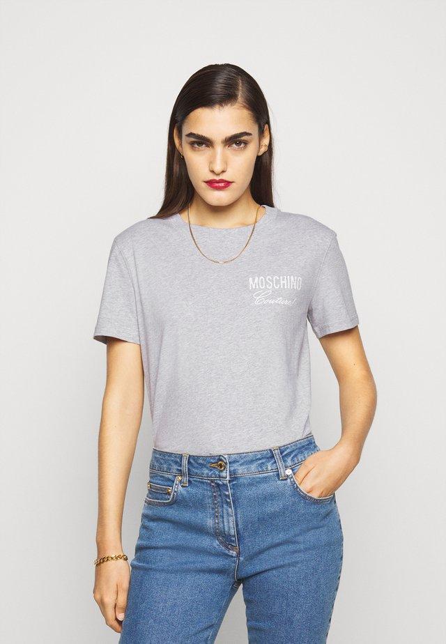 T-Shirt print - fantasy print grey