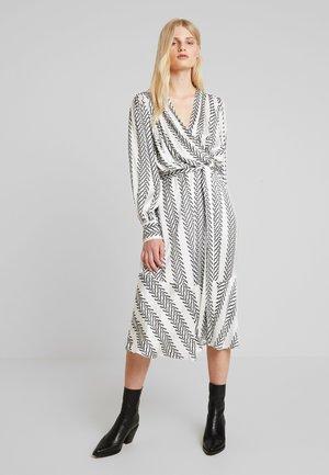 OHH WRAP DRESS - Day dress - white/black